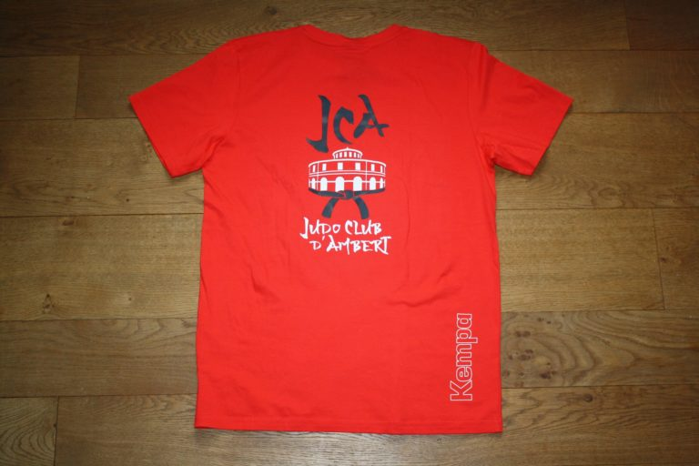 T-shirt-rouge-arriere