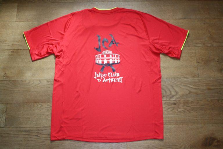 t-shirt-mizuno-rouge-arriere